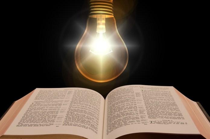 Biblia, Libro, Bombilla, La Luz, Ilustración