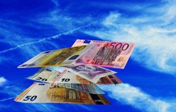 Geld, Geldregen, Währung, Euro Kreditanfrage erfolgreich stellen.