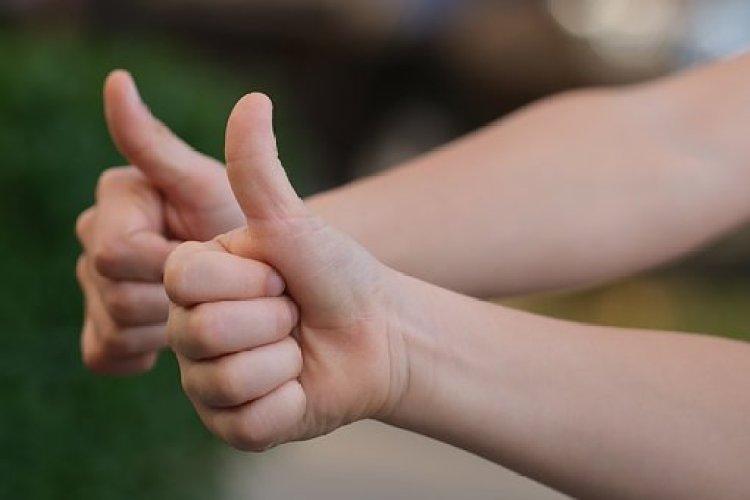 親指, 肯定的です, ジェスチャ, 幸せ, 親指信号, 手ジェスチャー, 承認