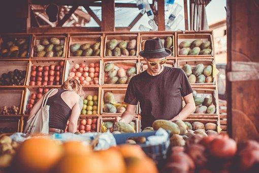 市場, フルーツ, 選択, 買う, 買い物, 交渉, 重量を量る, 食べ物