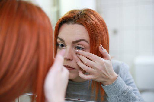 caused by contact lenses