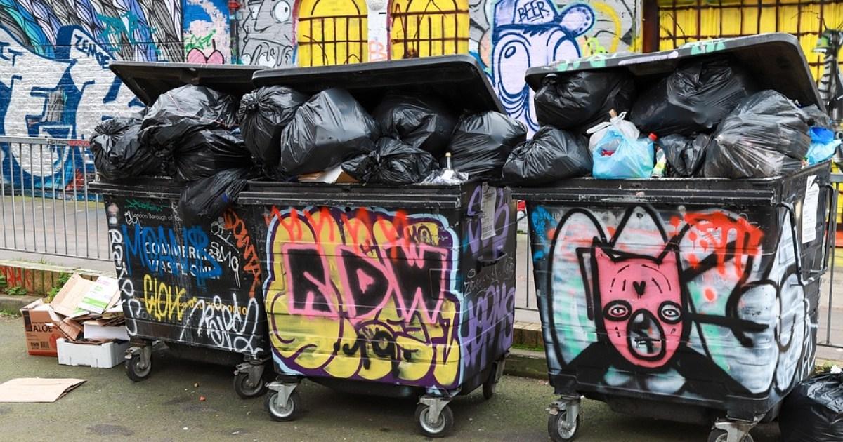 London, Street Art, Grafitti, Dustbin, Backyard, Spray