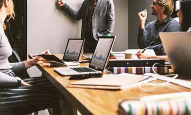 Arbeit, Büro, Team, Firma, Internet + Kredit  für GmbH