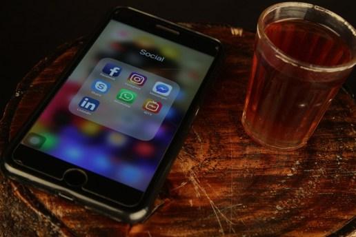 スマート フォン, 社会的なメディア, アプリ, 画面, タッチ スクリーン, インターネット, 携帯電話