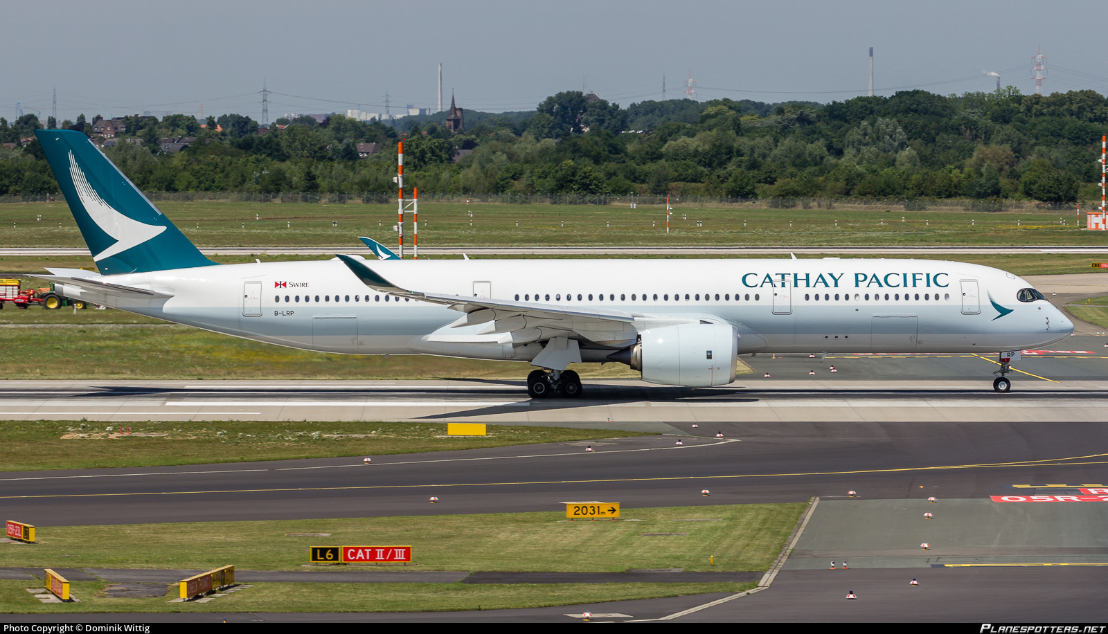 B-LRP Cathay Pacific Airbus A350-941 Photo by Dominik Wittig | ID 781737 | Planespotters.net