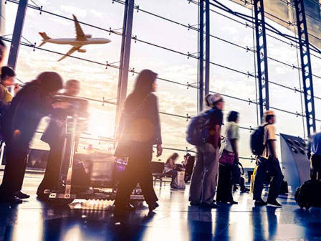 Quem cuida da maior parte dos aeroportos no Brasil é a Infraero (Empresa Brasileira de Infraestrutura Aeroportuária), uma empresa pública e federal.