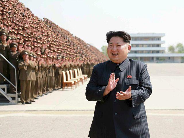 Pyongyang ignoró la prohibición de la ONU de utilizar estos misiles.  Kim Jong-un lo vinculó  al cumpleaños de su padre.