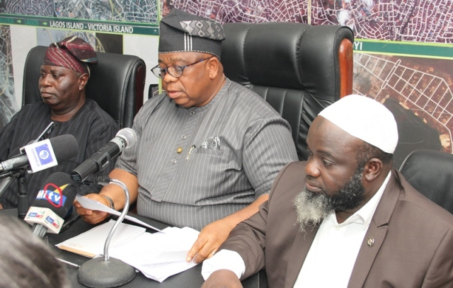 L-R: Special Adviser to the Governor on the Environment, Babatunde Hunpe, Commissioner for the Environment, Dr. Babatunde Adejare and Permanent Secretary, Ministry of the Environment, Engineer Adeyemi Saliu at the Ministry's Monthly Press Briefing on Tuesday.