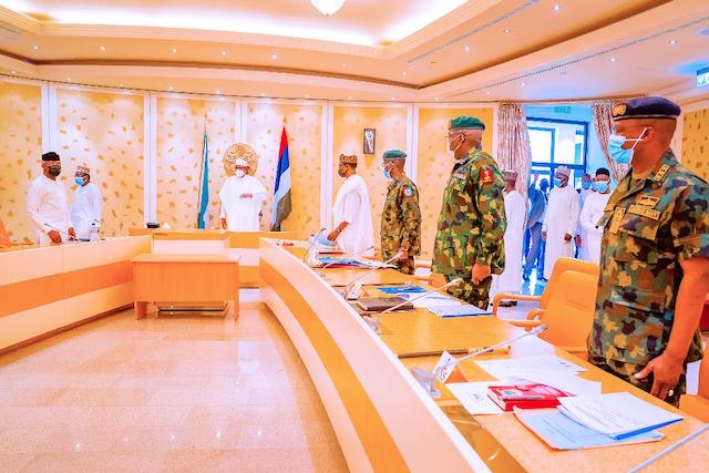 Buhari with VP Osinbajo and service chiefs on Friday