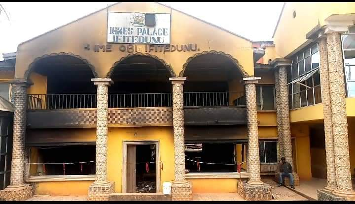 Palace of Igwe Emeka Ilouno attacked by arsonists
