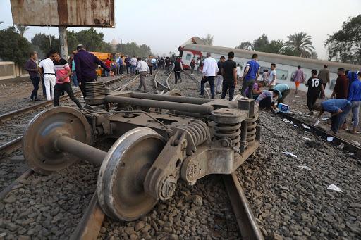 11 passengers killed in Egypt's train derailment