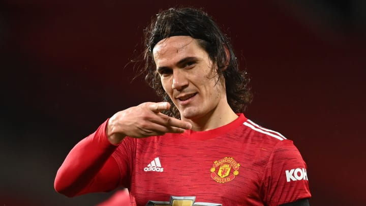 Cavani extends Manchester United contract