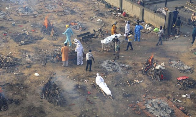 Crematorium in India dealing with record COVID-19 deaths
