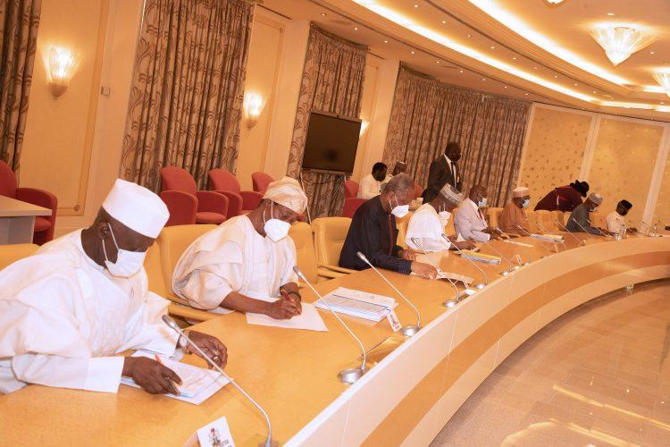 Buhari presides over security meeting in Abuja. PHOTO; SUNDAY AGHAEZE.