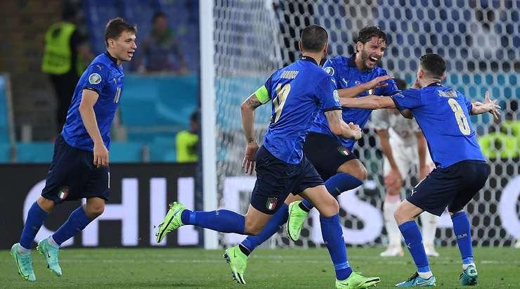 Ruthless Italy thrash Switzerland to reach Euro 2020 Round of 16