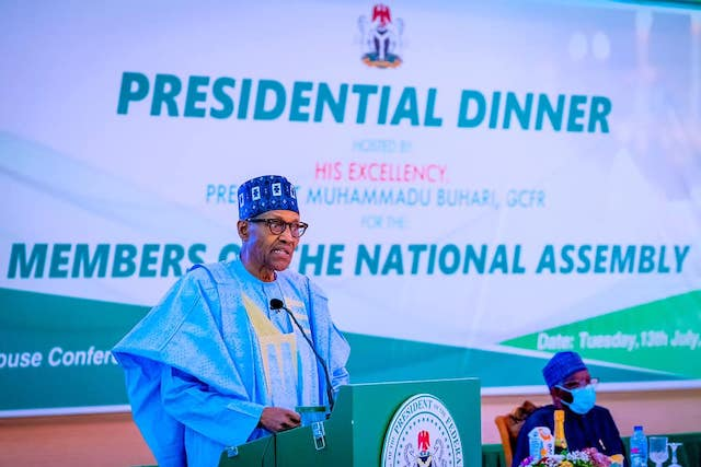 Buhari speaks at the dinner with National Assembly members