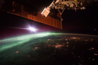 Amazing images from the International Space Station image 23