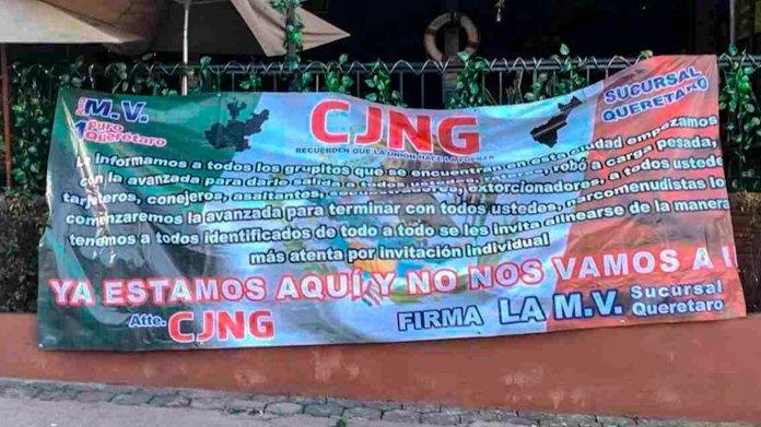 Narcomantas colocadas por el CJNG en los municipios de Querétaro y Corregidora en junio del 2019, anunciando su llegada a la entidad.