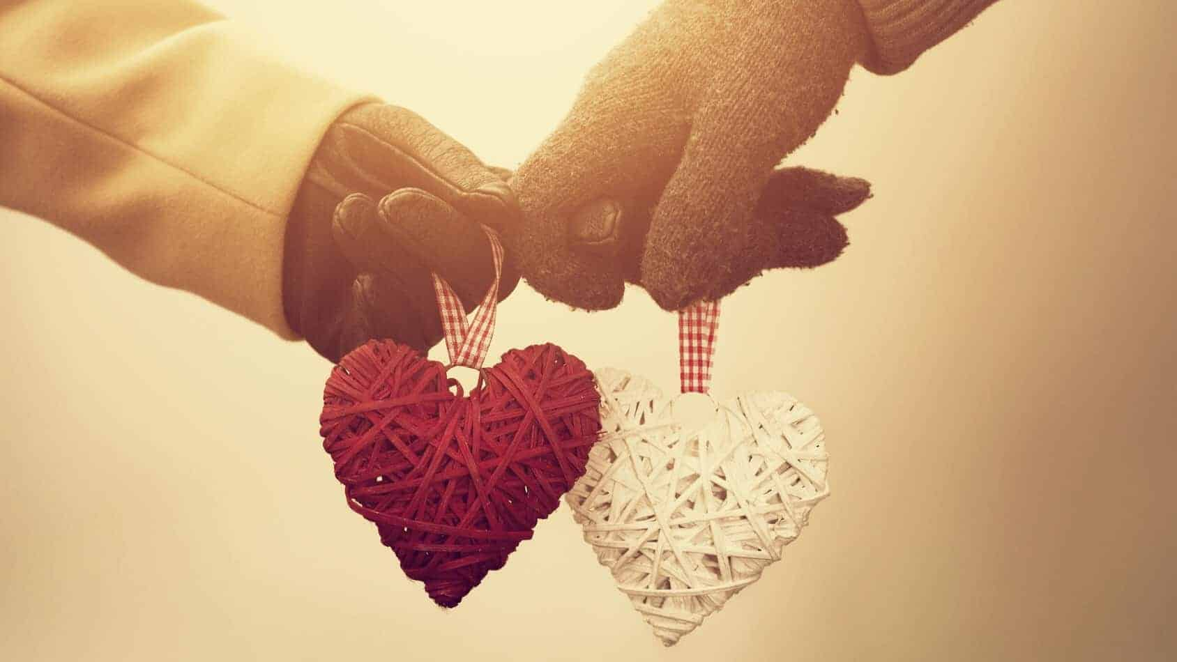 Cute Couple Holding Hands Wallpapers Here S How Only Two Mindsets Decide The Fate Of Your