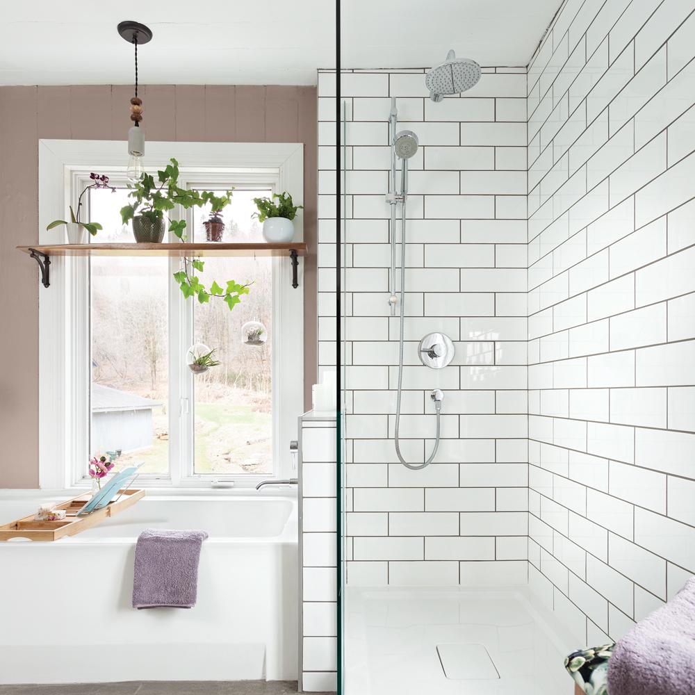 couleur taupe dans la salle de bain