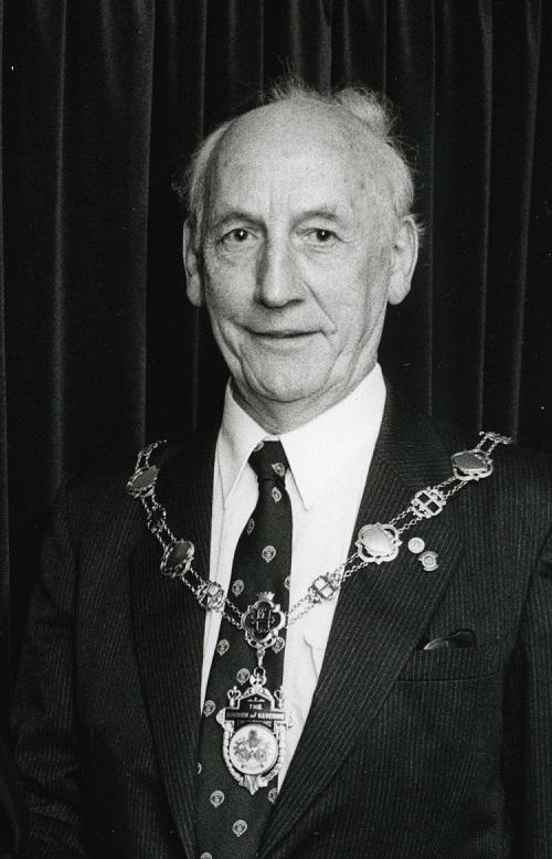 Ivor Cameron, former Havering Councillor and Mayor dies: IL-PHG-COLL-24-107-1  crop Mayor Ivor Cameron