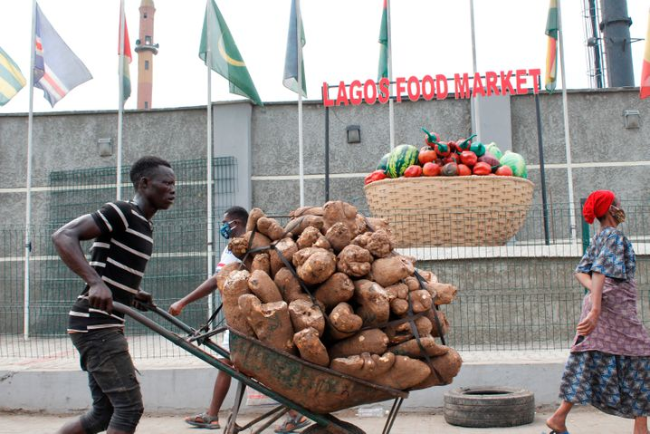 """A food market in Lagos, Nigeria: """"We expect further food price increases in the coming months."""""""
