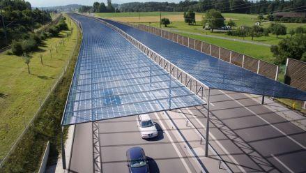 Österreich: Ein Solardach für die Autobahn