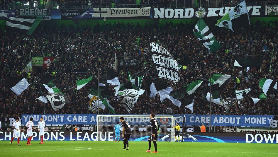 https www spiegel de sport fussball borussia moenchengladbach vs 1 fc koeln polizei erwartet rhein derby ohne krawalle a 1121717 html