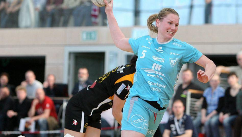 https www spiegel de sport sonst handballerin anne ulbricht oma mit 24 a 693164 html