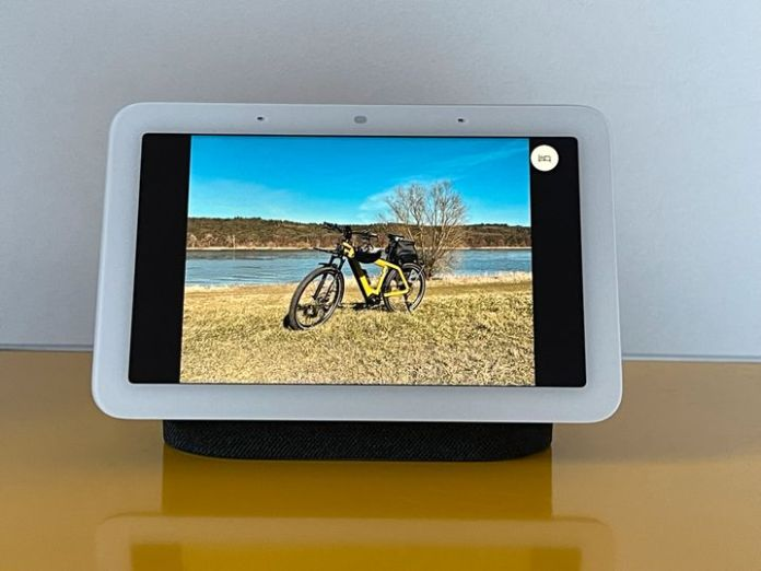 If you like, you can also use the Nest Hub as a digital picture frame