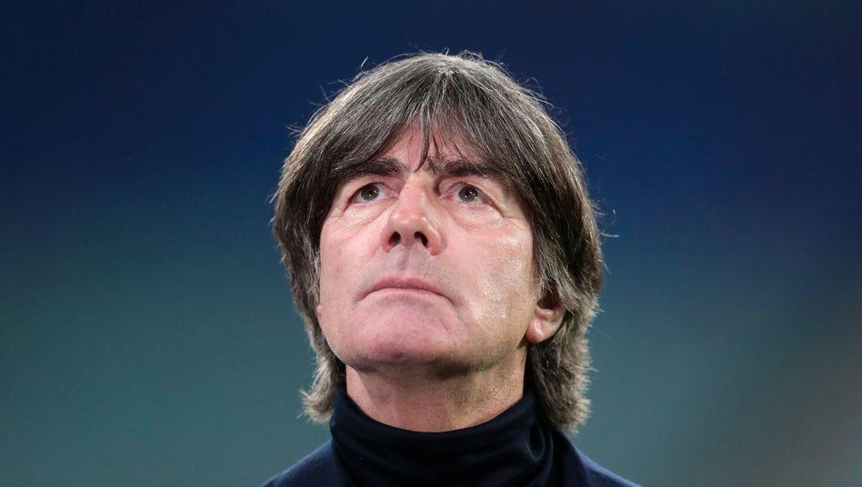 https www spiegel de sport fussball joachim loew bleibt bundestrainer bis zur rente a 29e71f4c 34de 45ce b527 1c42482de492