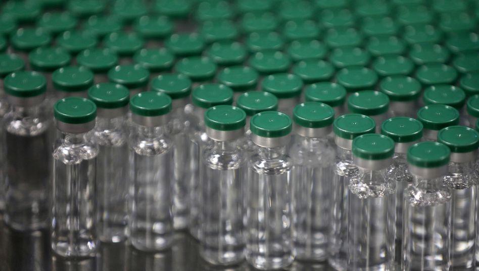 https www spiegel de wissenschaft medizin coronavirus was den astrazeneca impfstoff gegen covid 19 ausmacht a 9922d618 7f3e 42b0 94a2 48abbd486a99