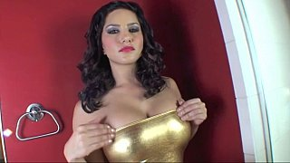 Sunny_Leone_showing_her_wet_pussy_in_close_up Preview Image