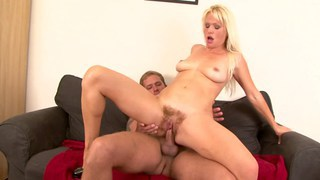 Vintage muff on MILF pussy Preview Image