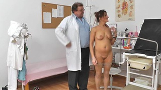 Redhead mommy fuck hole doctor role play Preview Image