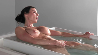 Kendra_Lust_taking_a_hot_bath_and_playing_with_her_pussy Preview Image