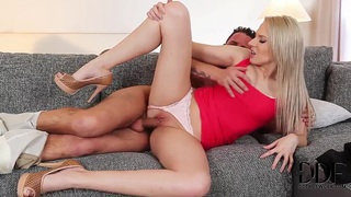 Viktoria Diamond does it all with her man Preview Image