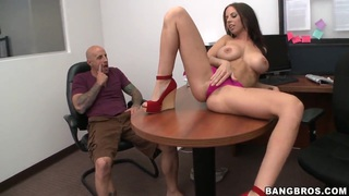 Busty seductress Brandi Aniston gets tongue fucked by hot guy Preview Image