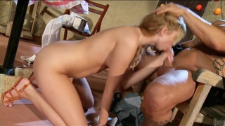 Total American sex with Molly Bennet Preview Image