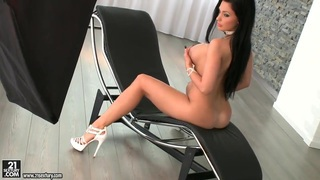 Glamour Aletta Ocean is demonstrating_body Preview Image