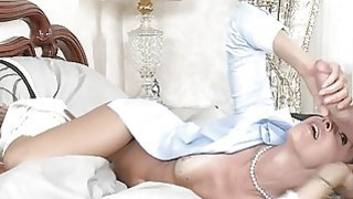 Teen_caught_her_BF_have_sex_with_stepmom_India_Summer Preview Image