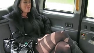 Local escort gets ripped by fraud driver in the backseat Preview Image