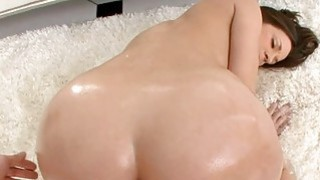 Fellow oils ass of babe before banging her twat Preview Image