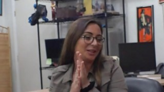 Woman with glasses gets_her pussy_screwed by pawn dude Preview Image