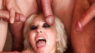 Mature blonde gangbanged bukkake Preview Image