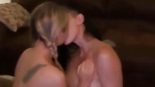 5 Amazing Gfs Making_Out Preview Image