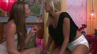 Hot lesbian Scarlet Red licking_Kirstens wet pussy Preview Image
