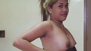 Pounding hot babe in hotel room Preview Image