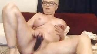 Sexy_Babe_Masturbates_Her_Pussy_on_Cam Preview Image