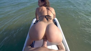 Free privatehometube Mp4 video - Kelsi monroe shakes her buttocks on the hard prick Preview Image